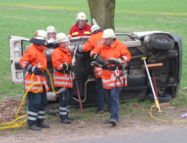 Unfallsituation am Baum
